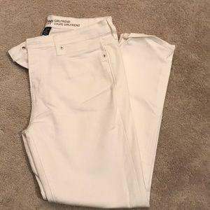 Gap girlfriend fit white skinny jeans-NWOT